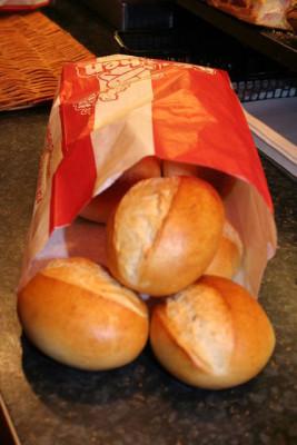 Brötchen in der Bäcker – Tüte bleiben länger frisch?